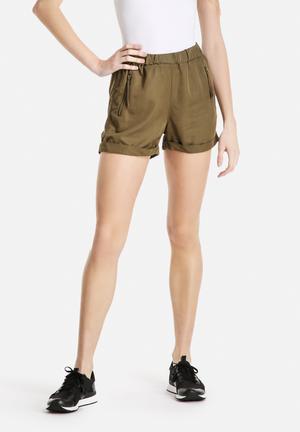 Vero Moda Indi Loose Shorts Olive Green