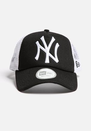 New Era Trucker NY Yankees Headwear Black / White