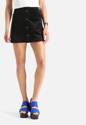 Vero Moda Abel Velvet Skirt Black