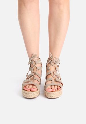 Lilly's Closet Kat Sandals & Flip Flops Grey