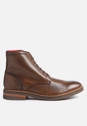 Base London Knole Boots Brown