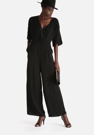 Vero Moda Joan 2/4 Jumpsuit Black