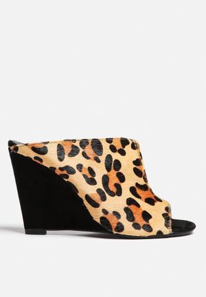 Montanna Slide Heels Black & Leopard Print