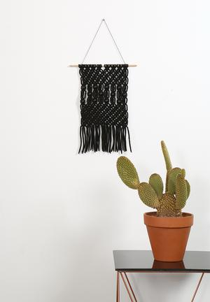House Of Grace Wall Macramé Accessories Black With Black Beads