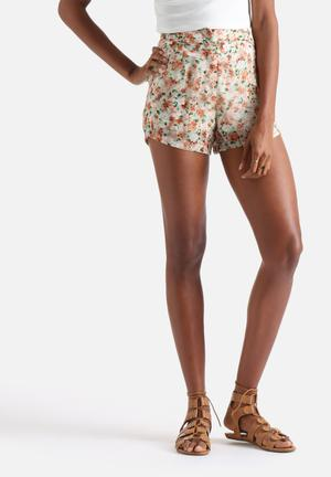Influence. Floral Floaty Shorts Mint