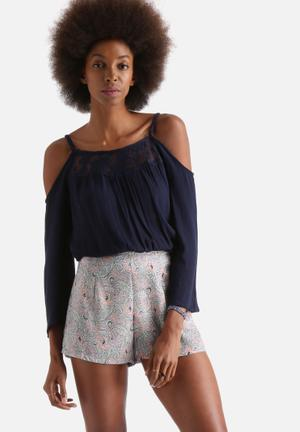 Influence. Cheesecloth Cold Shoulder Lace Insert Top Blouses Navy
