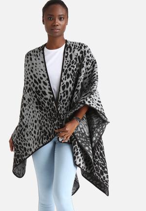 Y.A.S Leo Poncho Knitwear Grey & Black