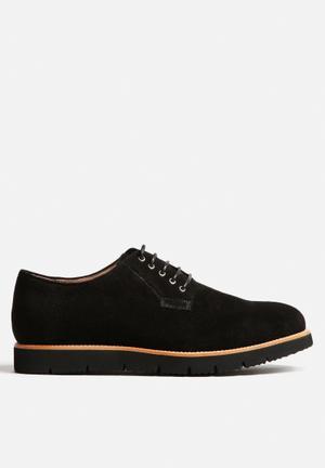 Bankrupt Millionaire Huxley Formal Shoes Black