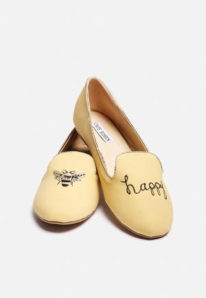 Cape Robbin Smoking Slipper Pumps & Flats Beige
