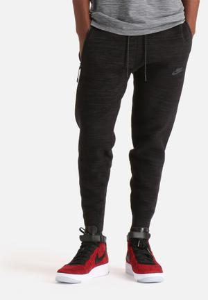 Nike Tech Knit Libero Pant Sweatpants & Shorts Black
