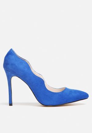 Sissy Boy Wave Court Heels Cobalt Blue