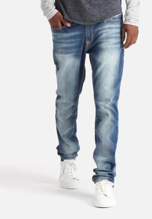 GUESS Mens Slim Tapered Jeans Blue