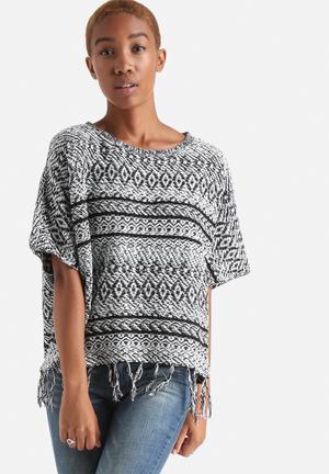 ONLY Ardenay 2/4 Poncho Knitwear Black & White