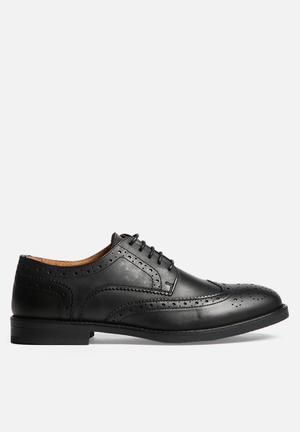 Selected Homme Marc Brogue Shoe Black