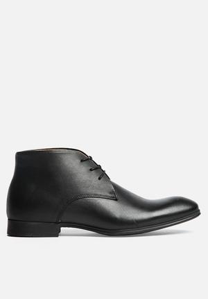 Selected Homme Yannick Chukka Boot Black