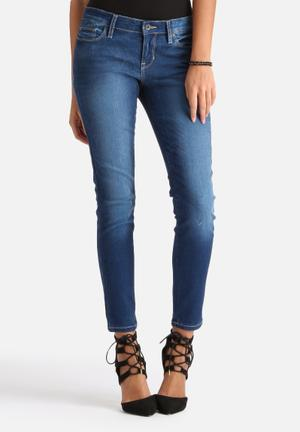 GUESS Power Low Rise Skinny Jeans Medium Blue