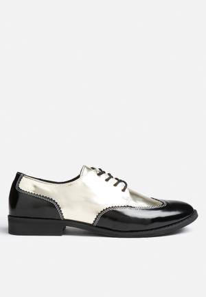 Felia Shoe