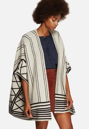 Vero Moda Vamm Knit Cape Knitwear White & Black