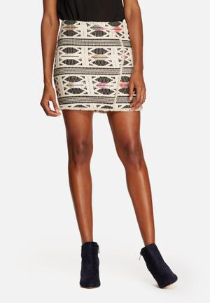 Vero Moda Selma Mini Skirt Beige & Black
