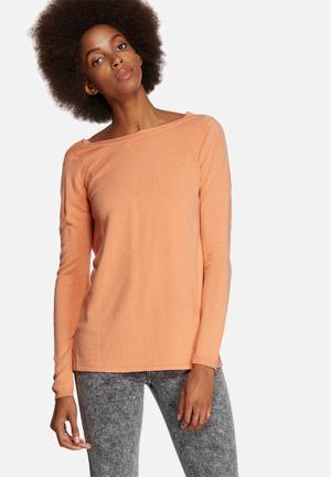 Vero Moda Mazie Deep Back Knit Knitwear Orange