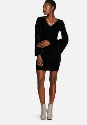 Glamorous Velvet Dress Casual Black