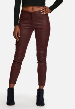 Glamorous Simply Suedette Leggings Trousers Burgundy