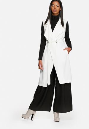 Glamorous Sleeveless Jacket White