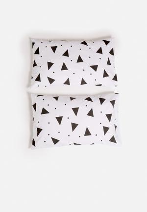 Zana X Superbalist Triangles Pillowcase Set Bedding 250TC Cotton Material