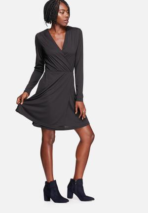 Vero Moda Cherry Dress Formal Black