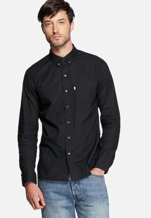 Levi's® Classic 1 Pocket Shirts Black