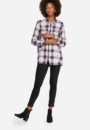 Vero Moda Thelma Checked Shirt Total Eclipse