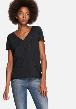 Vero Moda Tracy Bite V-Neck Tee T-Shirts, Vests & Camis Black