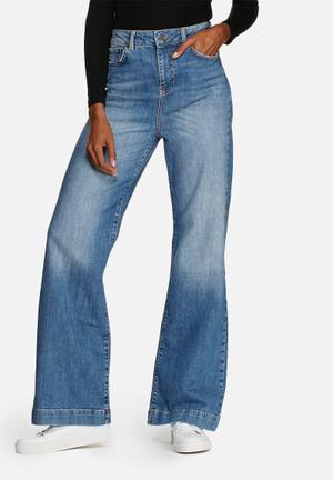 Noisy May Ellen Flare Jeans Light Blue Denim