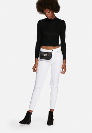Nila Anthony Cameron Quilted Bumbag White & Black