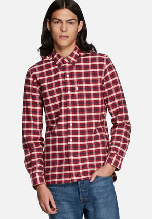 Levi's® Checkered Slim Shirt Red