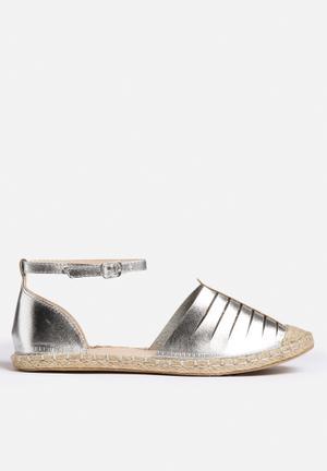 Qupid Mermosa Pumps & Flats Silver