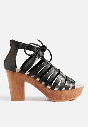 Qupid Lorna Heels Black