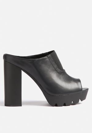 Qupid Charli Mule Heels Black