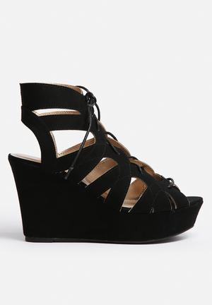 Qupid Ardor Heels Black