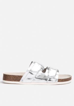 Qupid Deco Sandals & Flip Flops Silver