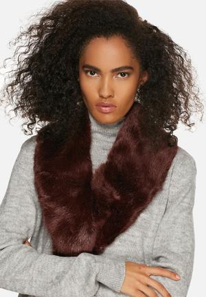 Range Milan Collar Scarves Wine