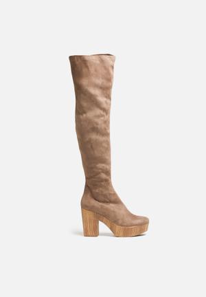 Truffle Camari Boots Taupe