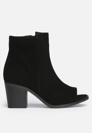 Vero Moda Isabella Leather Boot Black
