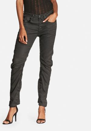 G-Star RAW New Arc 3D BTN Low Boyfriend Jeans Black