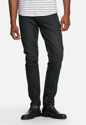 Sergeant Pepper Stovepipe Tapered Denims Jeans Black