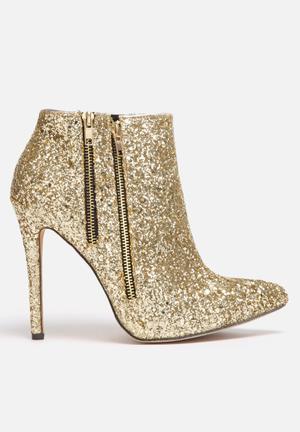 Liliana Wayne Boots Gold
