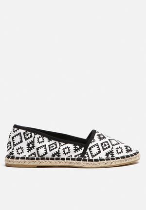 Vero Moda Smilla Espadrille Pumps & Flats Black & White