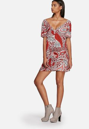 Glamorous Paisley Floral Dress Casual Red, White & Black