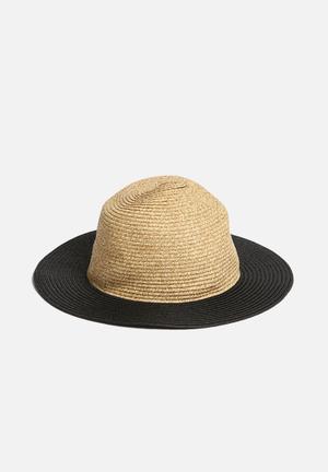 Vero Moda Sara Hat Headwear Black