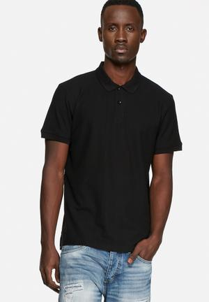 Basicthread Regular Fit Polo T-Shirts & Vests Black